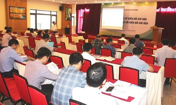 Hội nghị tập huấn về biến đổi khí và kỹ năng ứng phó với biến đổi khí hậu cho các tỉnh, thành miền Trung